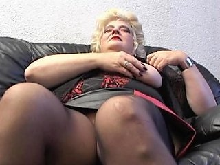 Bettanie Stretching And Rubbing Her Mature Pussy That Is Any Porn