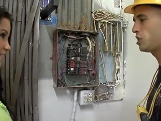 Workman Gives Secretary Multiple Orgasms Txxx Com