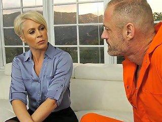 Two Escaped Prisoners Work On Soaking Pussy Of Mesmerizing Helena Locke