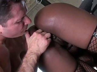 Wanton Ebony Hoe With Dyed Hair Blows Hard Dick Like Areal Pro