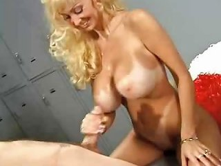 Middle Aged Cheerleader With Gigantic Bust Still Fucks With Drtuber