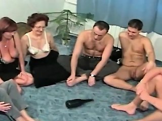 Mature Couples Plays Spin The Sex Bottle Drtuber