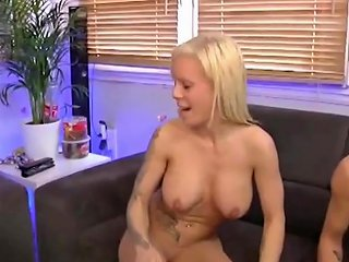 Wette Verloren Und Er Darf Seine Freundin Ficken Porn D3