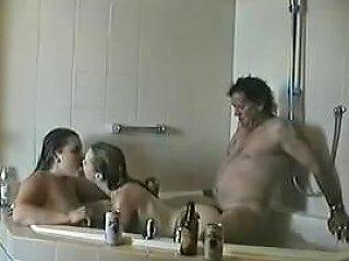 Trio En El Jacuzzi Free Threesome Porn Video 66 Xhamster