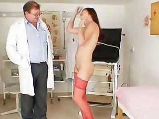 Kinky Gyno Doctor Fingers Pussy Of Hot Brunette Drtuber