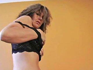 Very Alluring Nicole Solo Free Girls Masturbating Porn Video