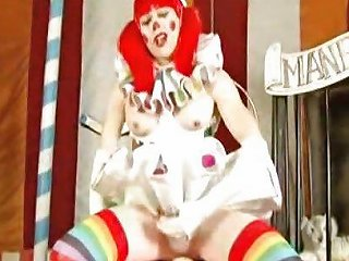 Shemale Clown Takes Huge Dildo At The Circus Tranny Porn Df